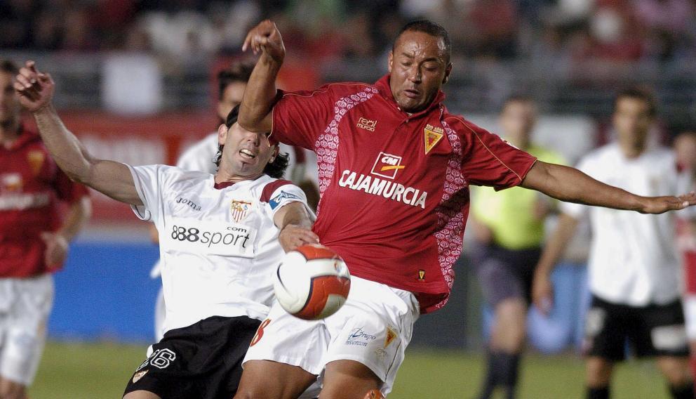 Editar el Real Murcia clásico en el PES