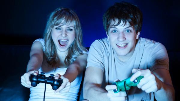 Jugar con tu pareja es una forma de fortalecer la relación